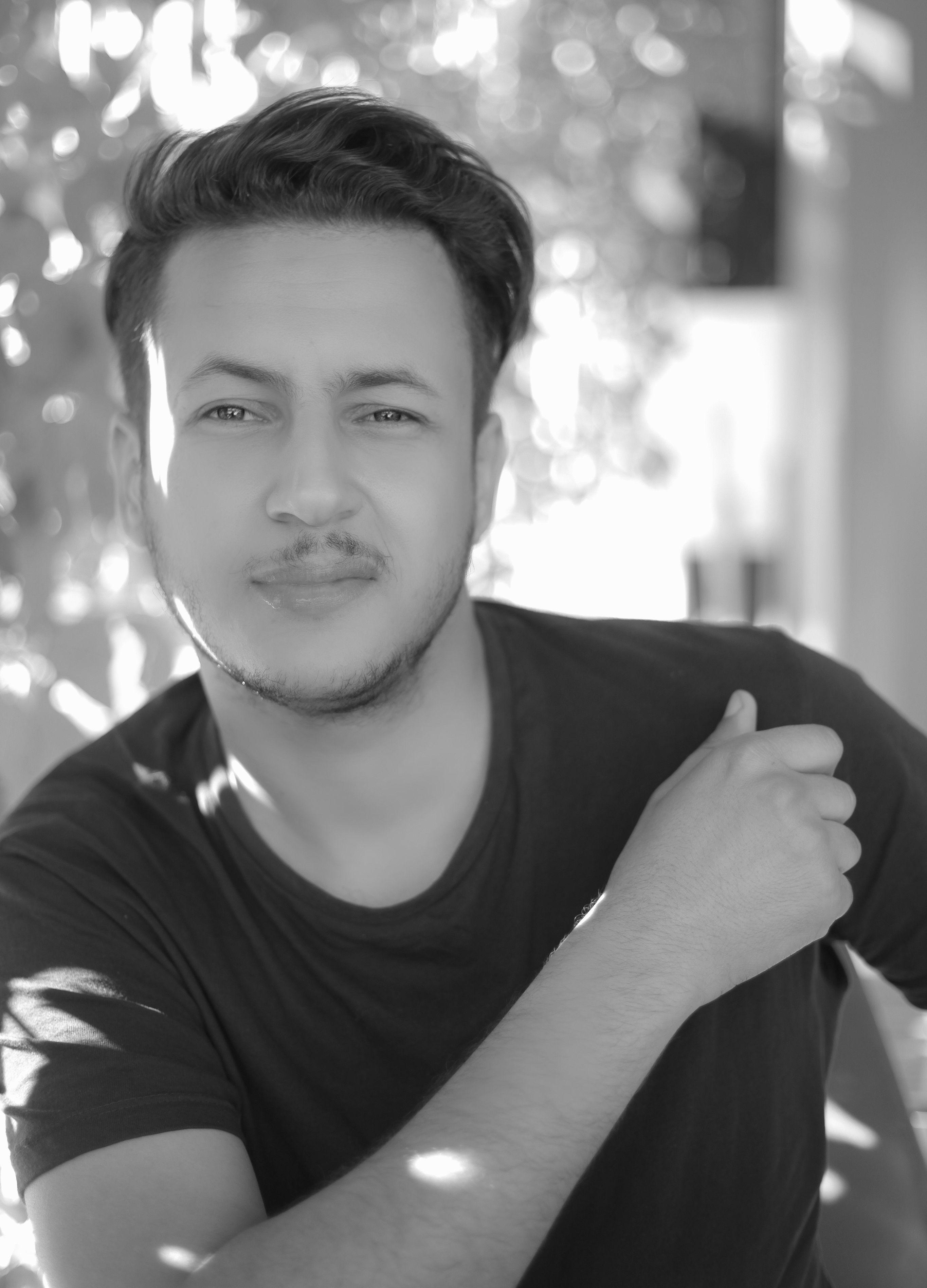 هشام بن شريف Headshot