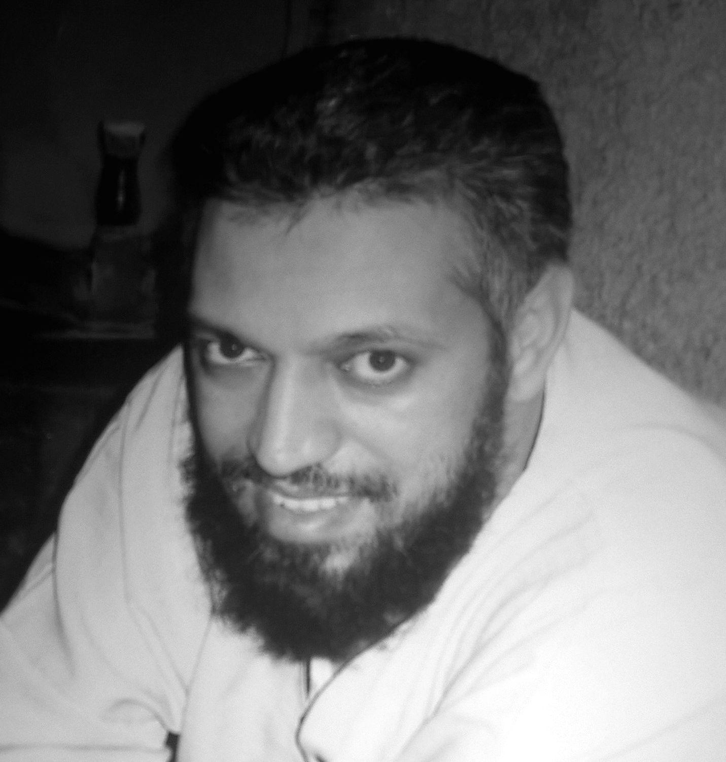 عدنان محمد أحمدون Headshot