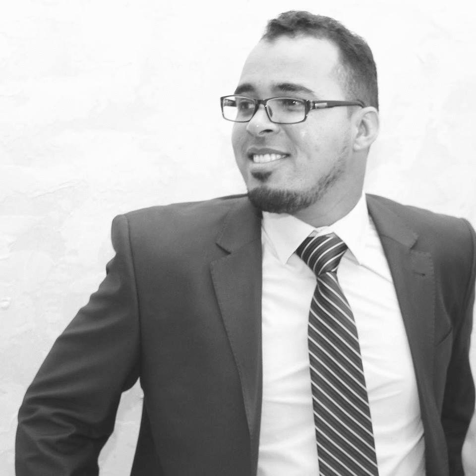 أحمد علي الزيتوني Headshot
