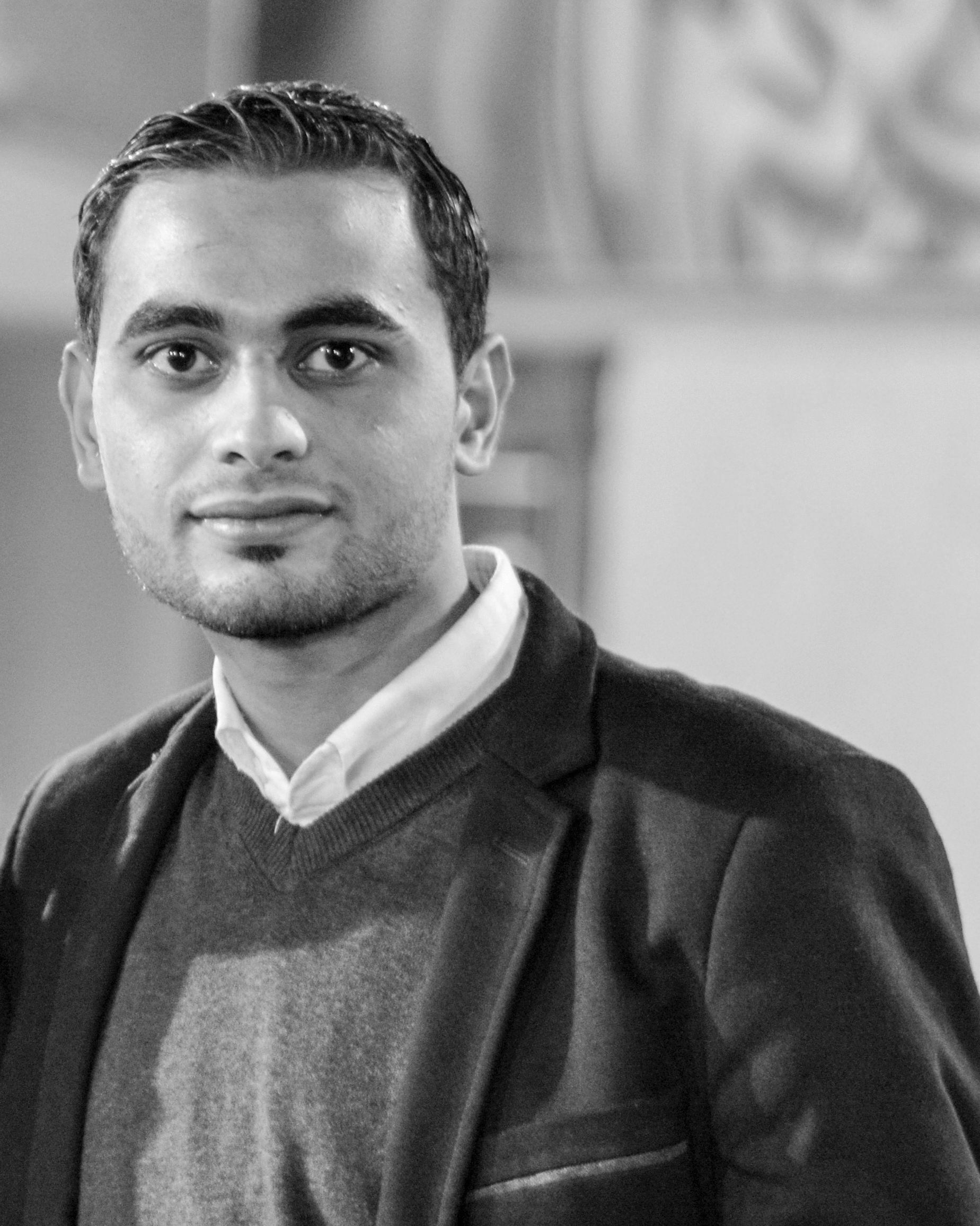 أحمد الحكيم Headshot