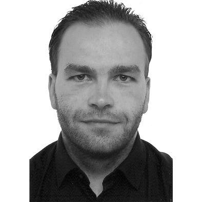 Alexander Erdmann Headshot