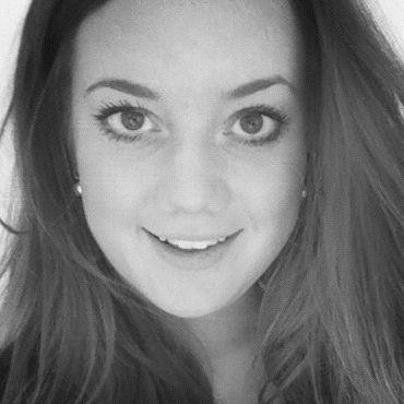 Alexandra Dahmen Headshot