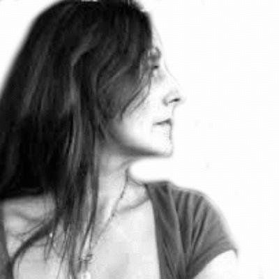Alexandra Rosas Headshot