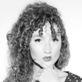 Alexandra Roxo Headshot