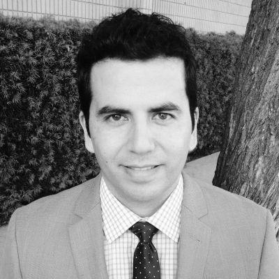 Dr. Alexandro Arenas