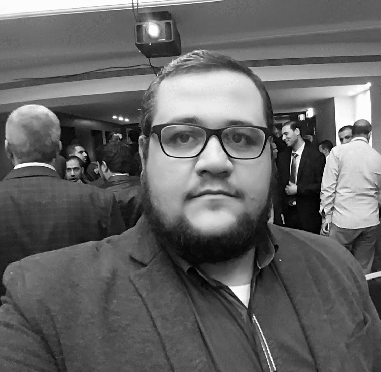 علي حسن إبراهيم Headshot
