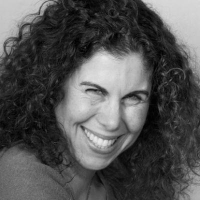 Alisa Schindler Headshot