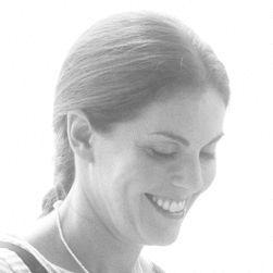 Alison Cayne
