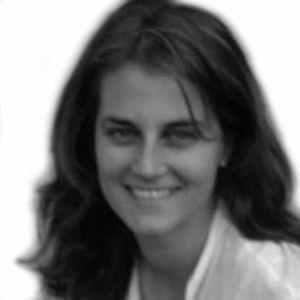 Almudena Olaguibel Headshot