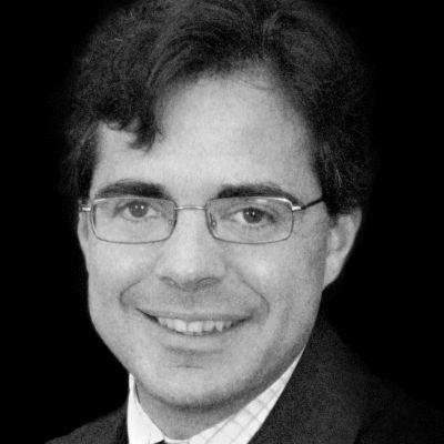 Alvaro Fernandez Headshot