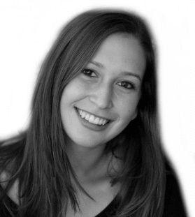 Amanda Golden Headshot