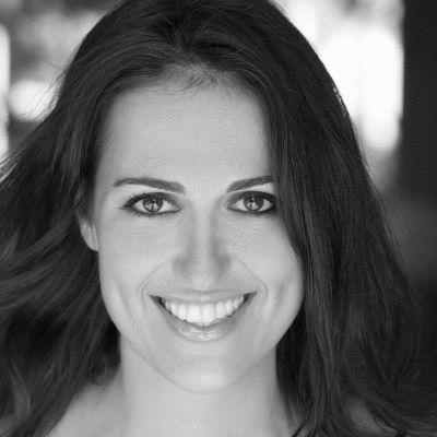 Amanda Slavin Headshot