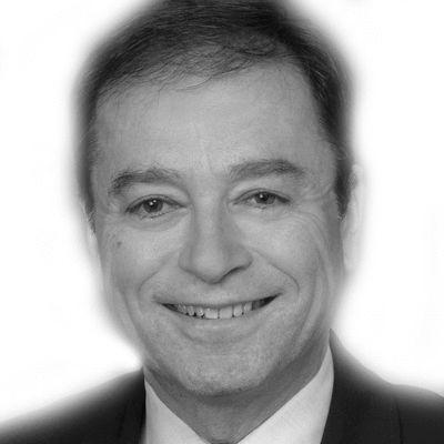 András Simonyi Headshot