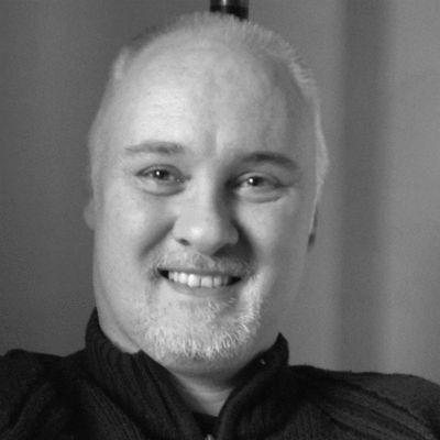 Andreas Hecht Headshot