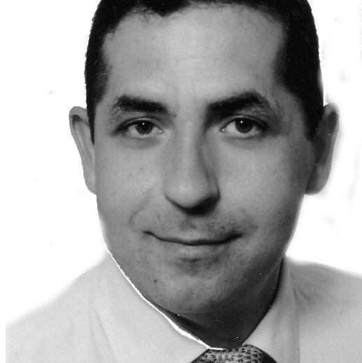 Dr. Andreas Kraußer Headshot