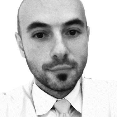 Andreas Sandre Headshot