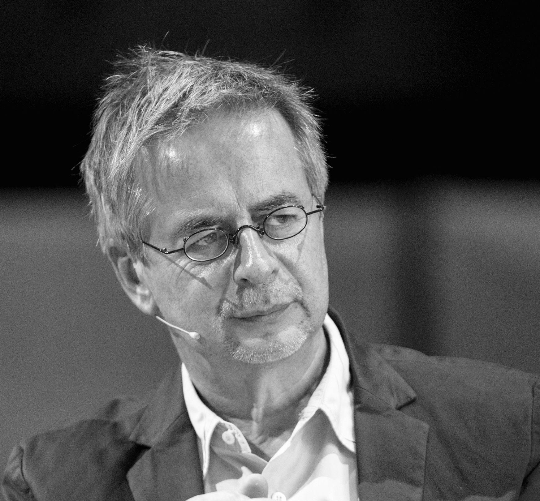 Andreas Toelke Headshot