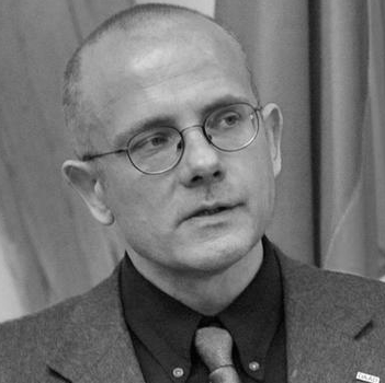 Dr. Dr. Andreas Umland Headshot