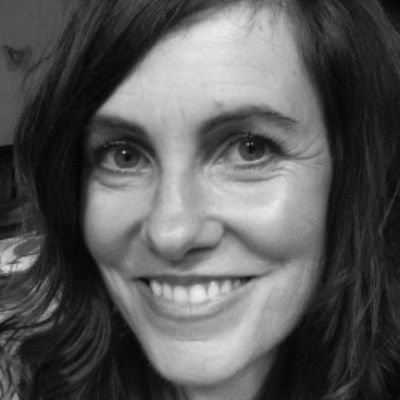 Angela Barnett Headshot
