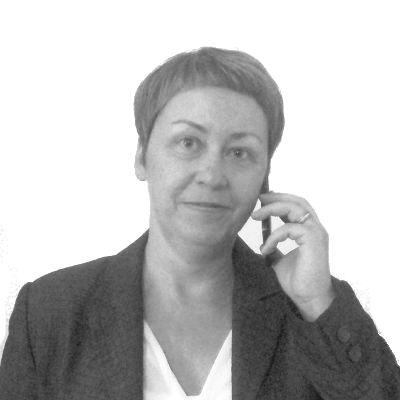 Anja Urbschat Headshot