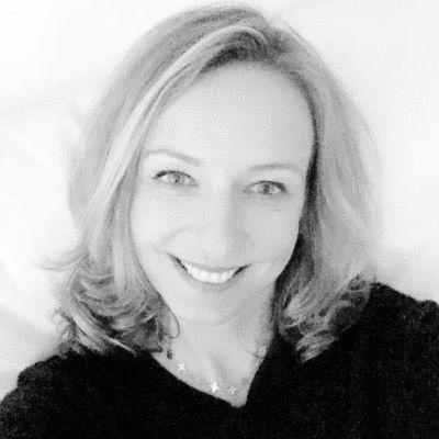 Dr. Anna Kupka Headshot