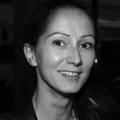 Anne Claire Bennevault Headshot