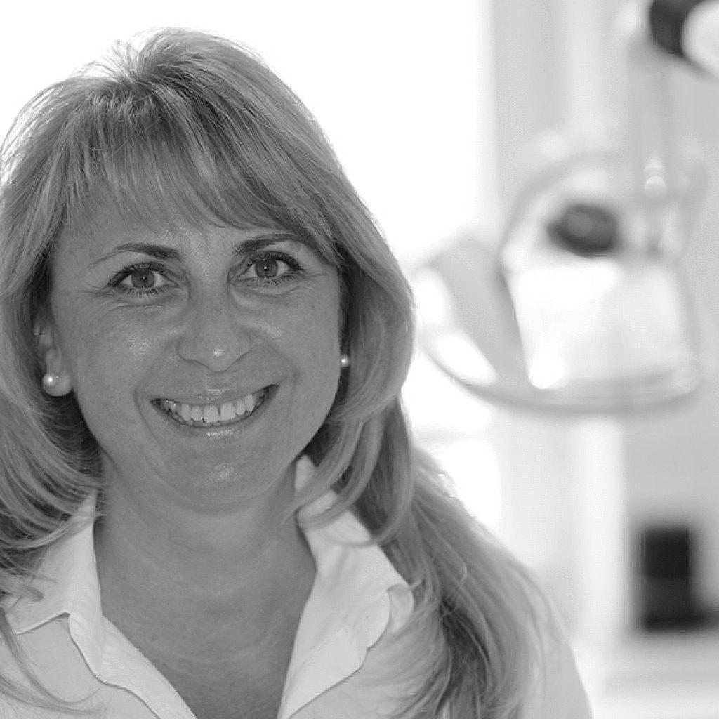 Dr. Annemarie Teutsch-Schlosser Headshot