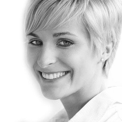 Anne-Sophie Reinhardt Headshot