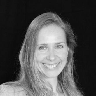 Annett Donath Headshot