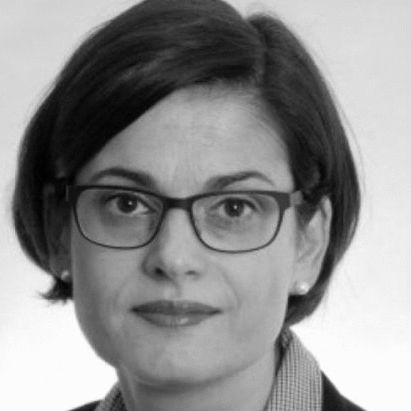 Prof. Dr. Annette Elisabeth Töller Headshot