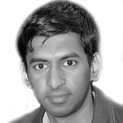 Ash Murthy Headshot