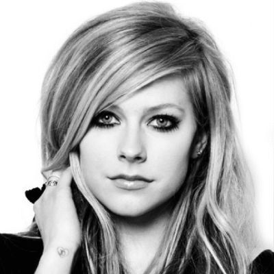 Avril Lavigne Headshot