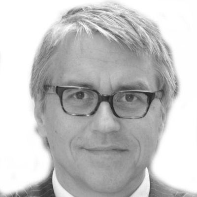 Axel Zawierucha Headshot