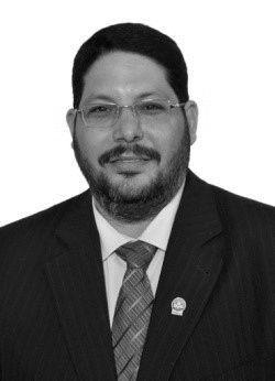 أيمن صادق Headshot