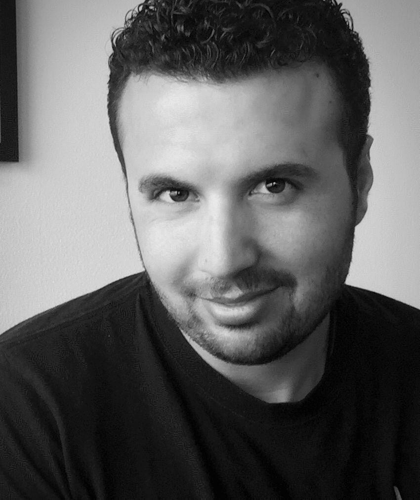 عزام عبد الرحمن تلحمي Headshot