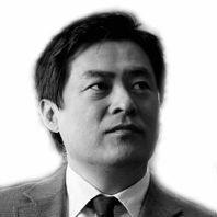 김방희 Headshot