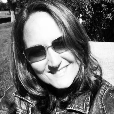 Beth Feldman Headshot