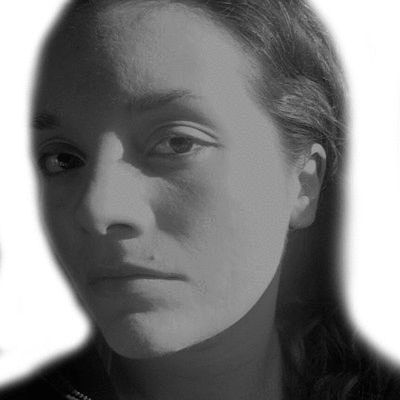 Beth Leyba Headshot