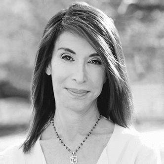 Beth Weissenberger Headshot