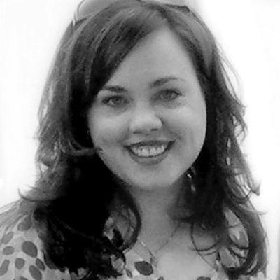 Beth Woolsey Headshot