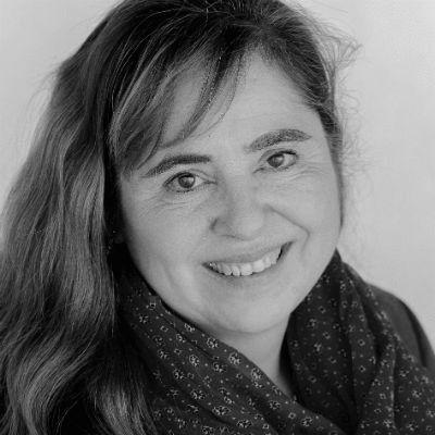 Dr. Bettina Marx Headshot