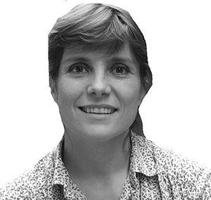 Carmen Nunez-Lagos Headshot