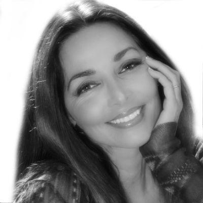Carole Raphaelle Davis Headshot
