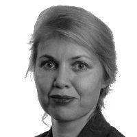 Caroline Neufert Headshot
