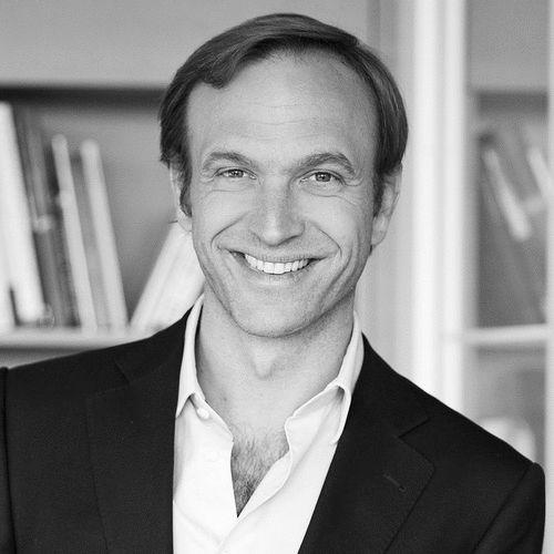 Caspar Schmitz-Morkramer Headshot