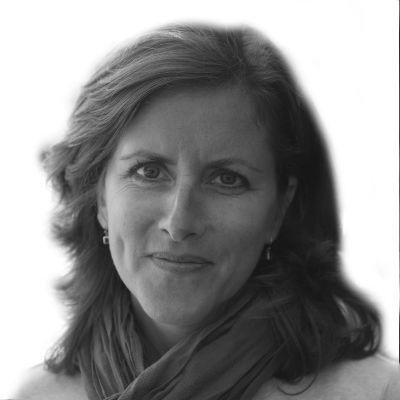 Cathy Herholdt Headshot