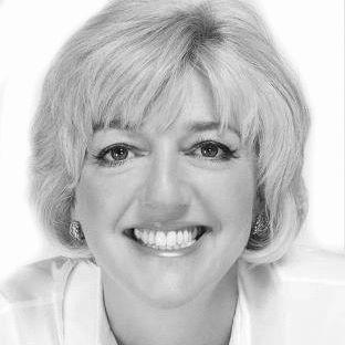 Cathy Kangas Headshot