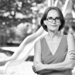 Dr. Christine Finke Headshot
