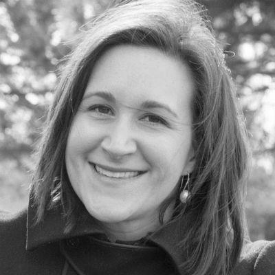 Claire Zulkey Headshot