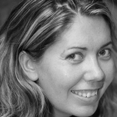 Clare Macnaughton Headshot